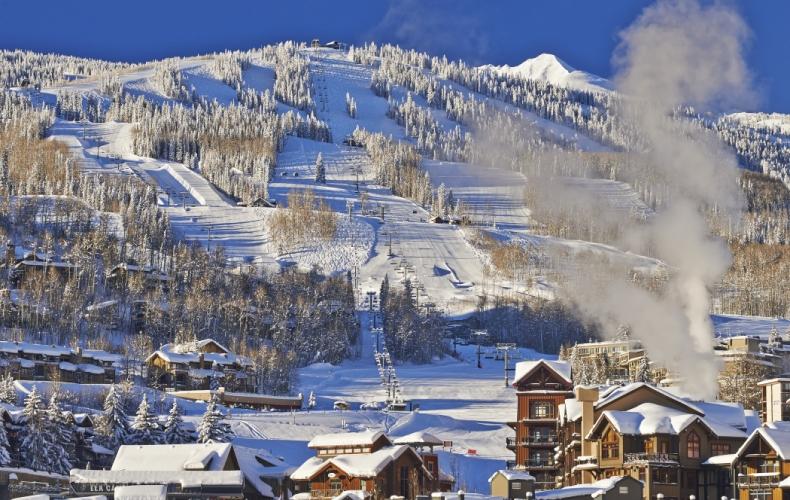 Snowmass Christmas Holiday Destination SkiBookings.com