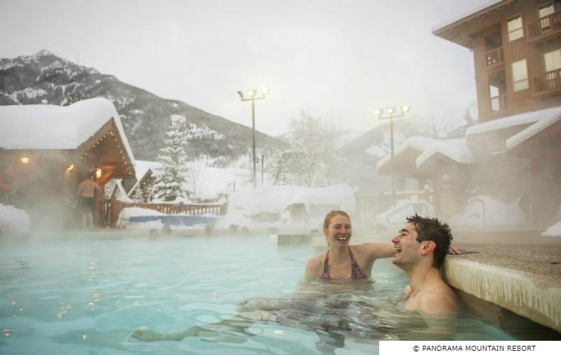 Panorama Lodging Pool SkiBookings.com